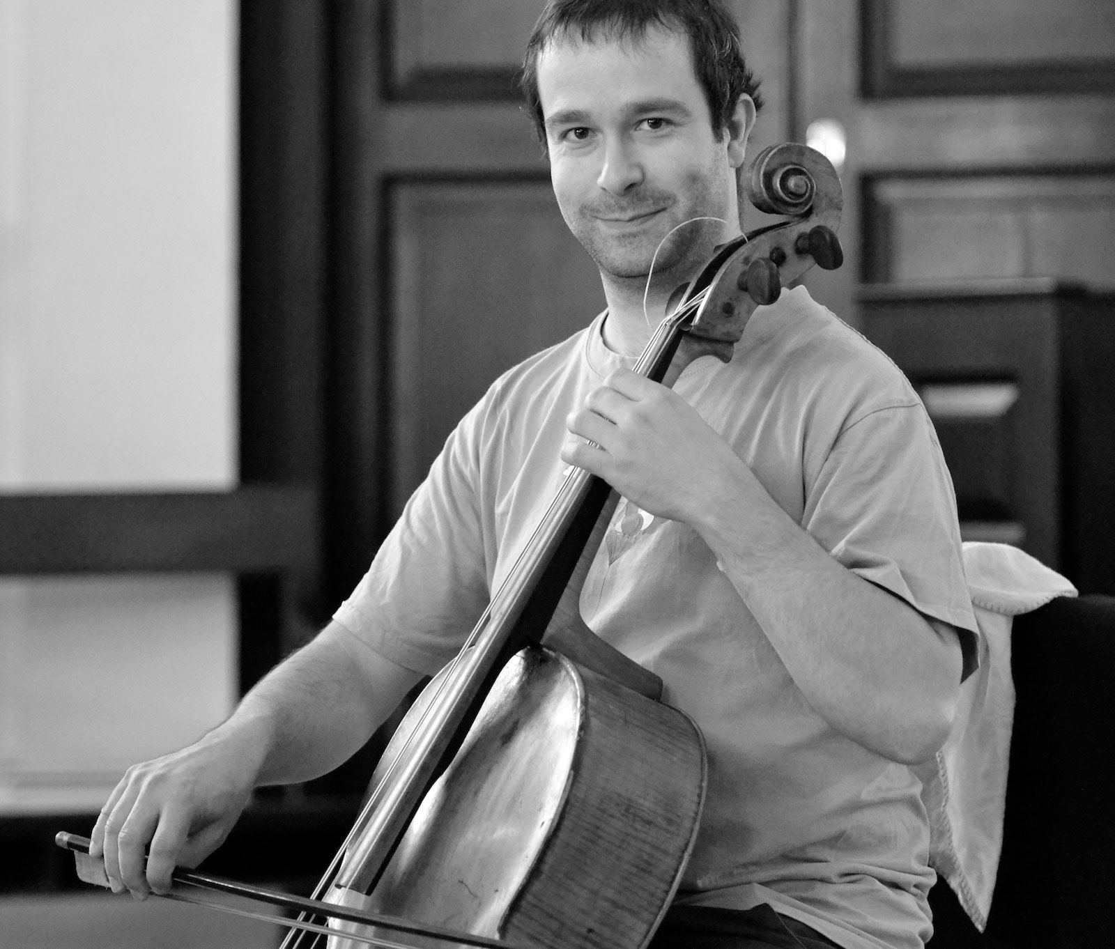 Christopher Suckling playing cello