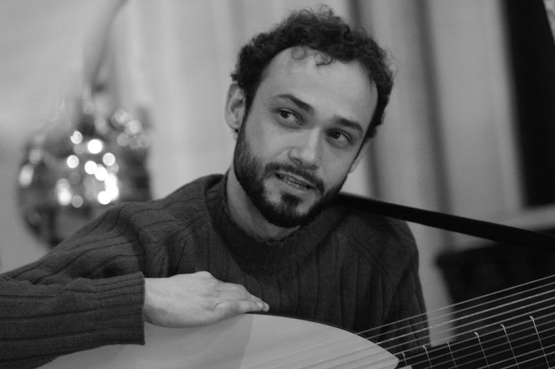 Eligio Quinteiro with theorbo